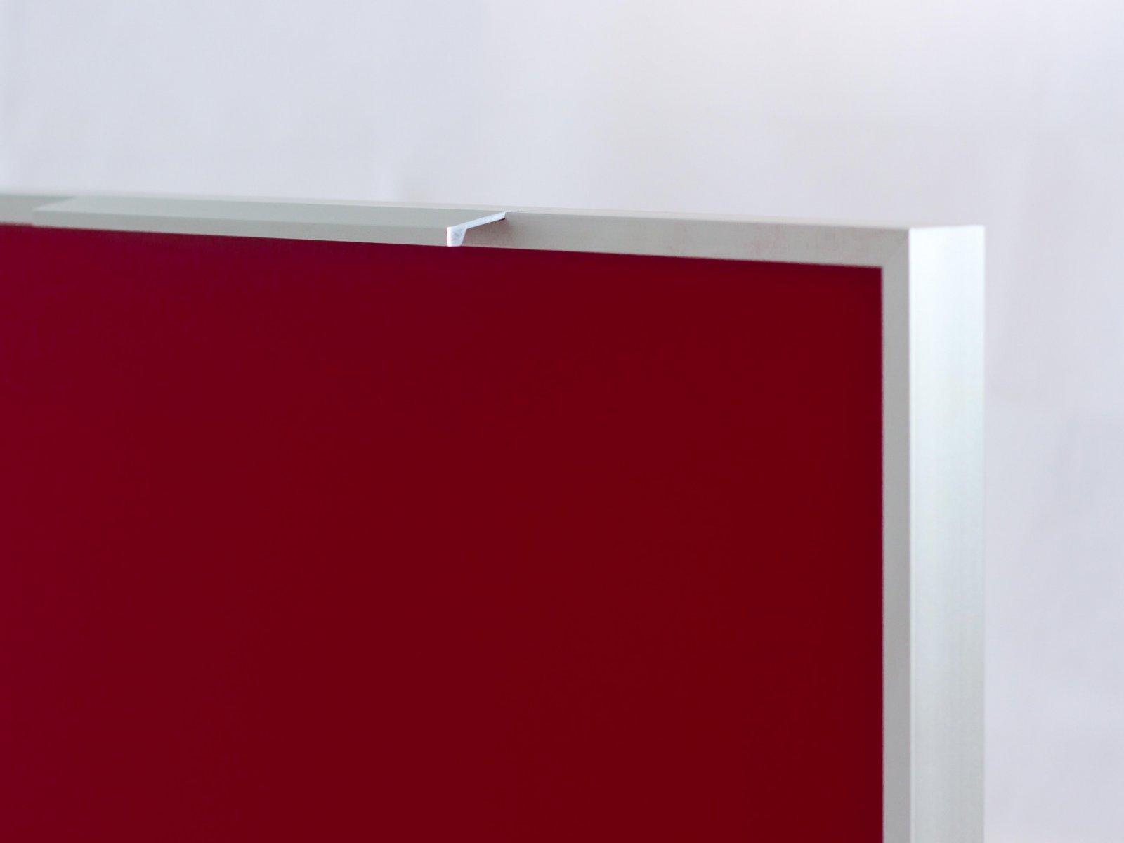 Porta-3 (Perfil V01-52 mate + puxador L06 mate + vidro lacado vermelho)
