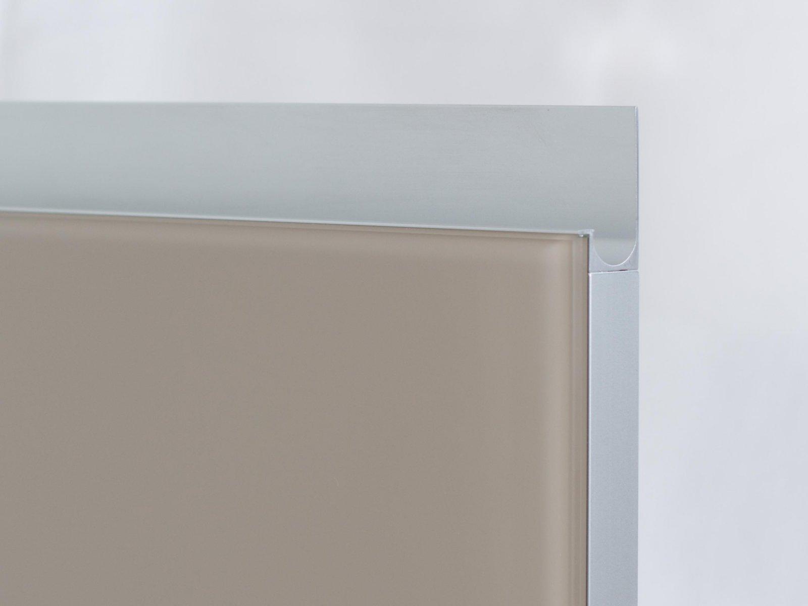Porta-7 (Perfil V08 mate + puxador P06 mate + vidro lacado moca)